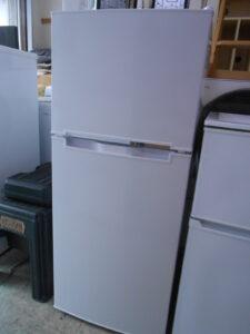 130Lの冷蔵庫。