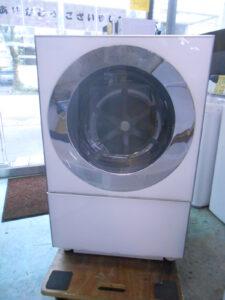 デザインがかっこいいドラム式洗濯機。
