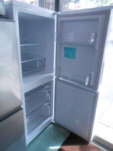 使いやすい140Lの冷蔵庫。