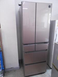 フレンチドアの冷蔵庫。