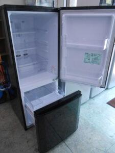 140Lの冷蔵庫です。