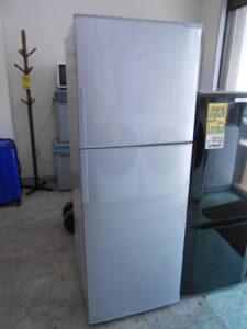シャープ製の冷蔵庫を買取致しました。